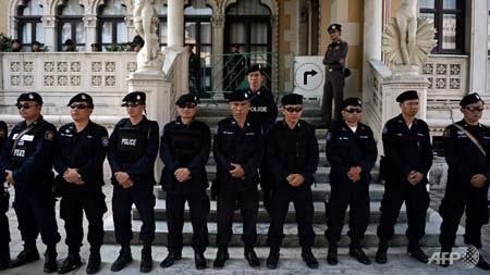 Lực lượng an ninh Thái Lan bảo vệ tòa nhà chính phủ