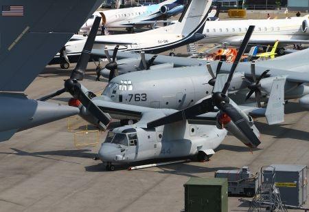 Trực thăng tối tân V22 Osprey của Mỹ cũng góp mặt