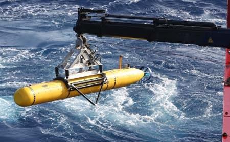 Tàu Bluefin 21 đang là hy vọng duy nhất để tim MH370 dưới đáy biển