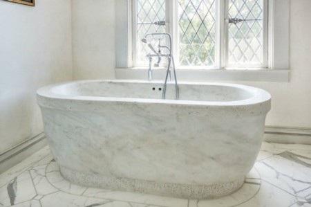 Bồn tắm bằng đá cẩm thạch đẹp khó cưỡng