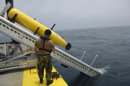 Mọi hy vọng tìm máy bay dưới đáy biển giờ sẽ phụ thuộc vào thiết bị lặn Bluefin 21