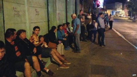 Nhiều người dân Chile không đổ ra đường vì sợ nhà sập