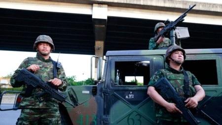 Quân đội Thái Lan đang hiện diện khắp Bangkok