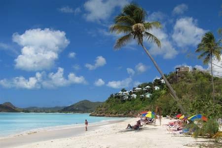 Antigua nổi tiếng với bãi biển đẹp