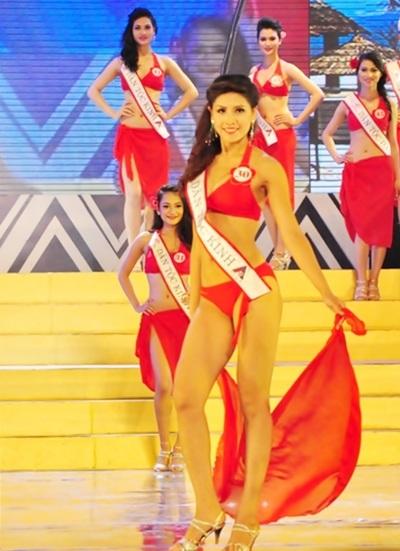 Á hậu 2 Nguyễn Thị Loan từng đoạt danh hiệu Hoa hậu Biển tại Cuộc thi Hoa hậu Việt Nam 2010