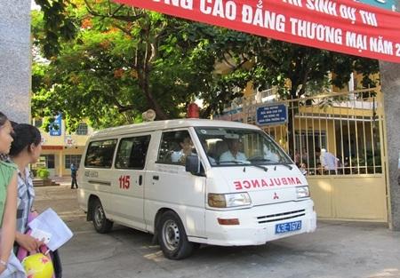 Đà Nẵng:  Một thí sinh bị ngất khi đang làm bài thi