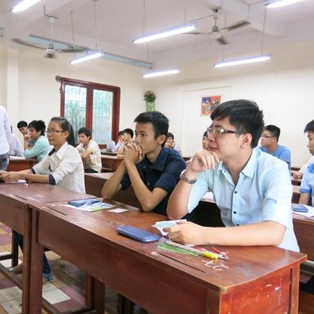 Các thí sinh dự thi môn đầu tiên của kỳ thi tuyển sinh đại học đợt 2 tại Đà Nẵng