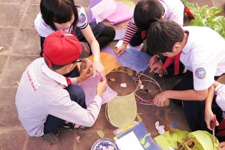 Qua cuộc thi, các em học sinh có cơ hội rèn luyện kỹ năng làm việc đội, nhóm