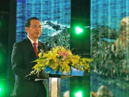 Ông Trần Quang Nhất - Phó Chủ tịch UBND tỉnh Phú Yên phát biểu bế mạc Festival