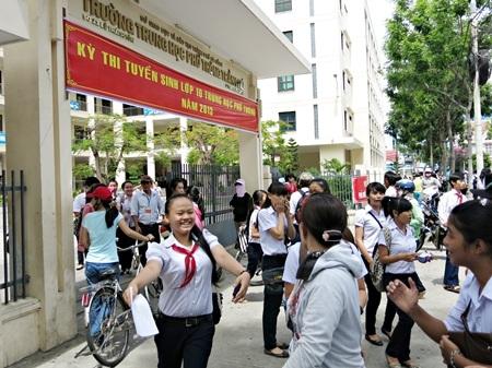 Học sinh thi vào lớp 10 tại Đà Nẵng năm 2013.
