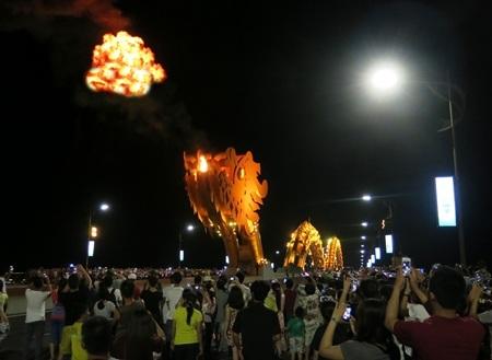 Rồng phun lửa