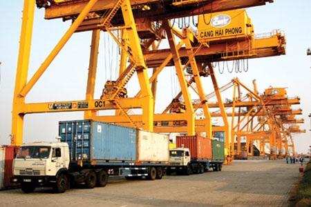 Kinh doanh dịch vụ cảng biển: Còn bất cập vẫn có lãi - 2