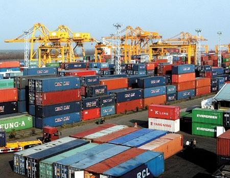 Kinh doanh dịch vụ cảng biển: Còn bất cập vẫn có lãi - 1