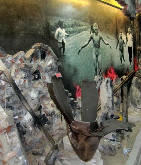 Đế quốc Mỹ đã dùng bom Napan trong cuộc thảm sát Mỹ Lai (Quảng Ngãi)năm 1968