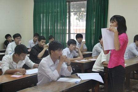 Quy định cấm phát tán thông tin tiêu cực trong phòng thi khiến dư luận