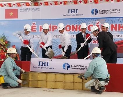 Bộ trưởng Đinh La Thăng cùng thành viên lãnh đạo Bộ Giao thông Vận tải,