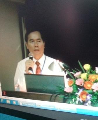 Ông Nguyễn Văn Huyện khi bảo vệ chương trình hành động tại cuộc thi