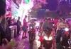 Người Hàn Quốc xuống đường chia vui với người hâm mộ Việt Nam