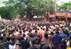 Hàng nghìn người tham dự lễ rước quả pháo khổng lồ ở Đồng Kỵ