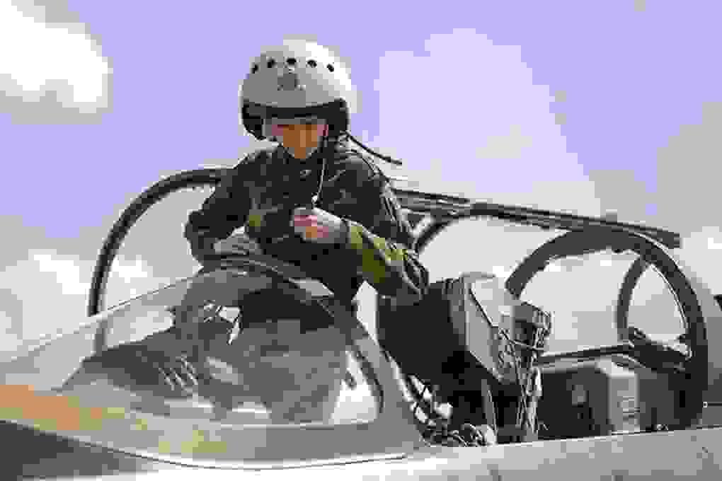 Vẻ đẹp của những nữ phi công quân sự tương lai Nga