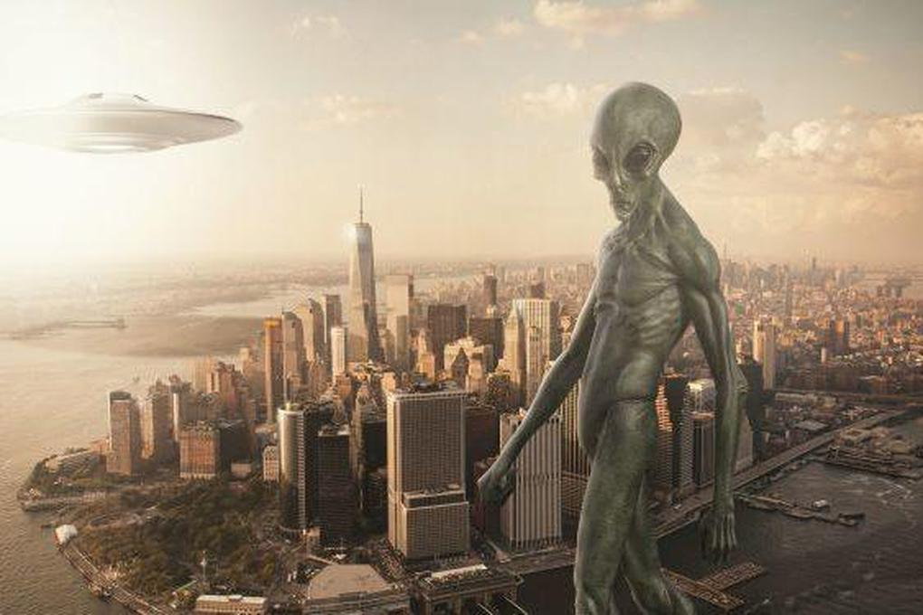"""Hồ sơ FBI xác nhận sự tồn tại của """"người ngoài hành tinh"""" khổng lồ?"""
