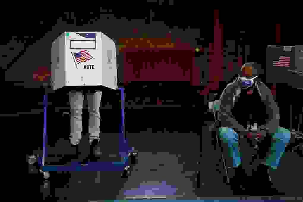 Bầu cử Mỹ 2020: Sức nặng của những lá phiếu sớm