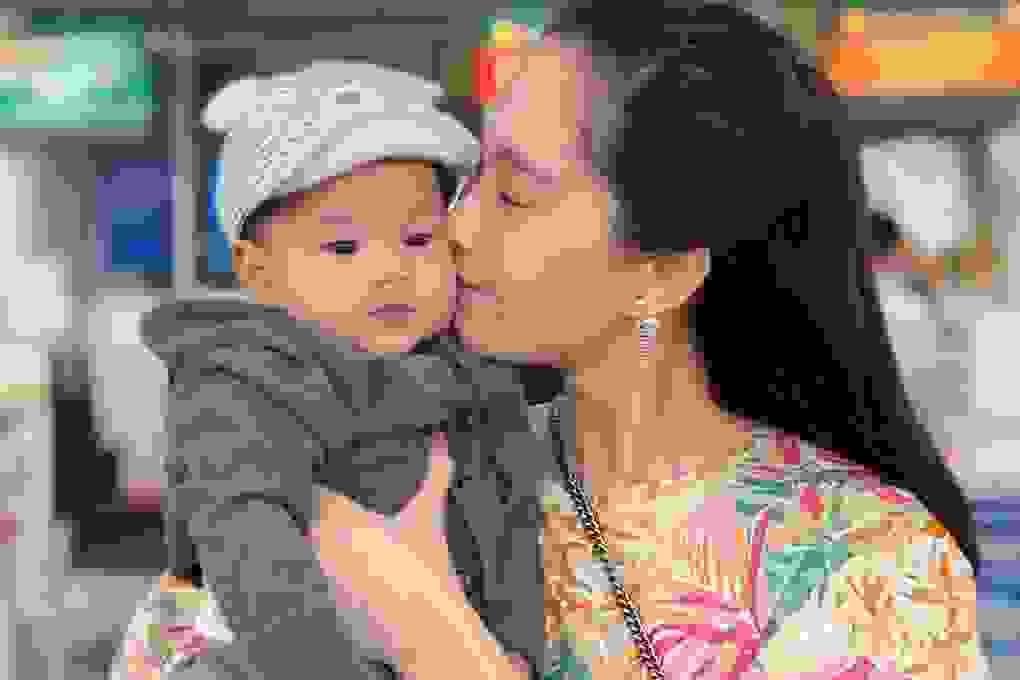 Vợ chồng Hoa hậu Đặng Thu Thảo khoe ảnh con trai cưng