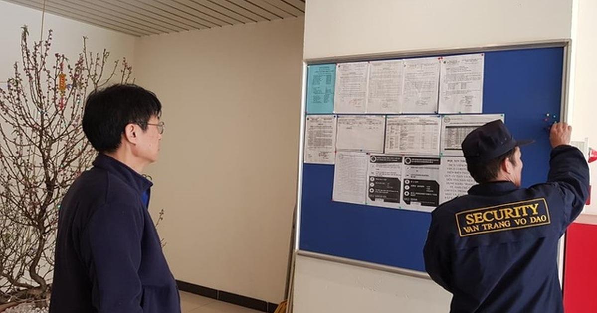 """Kết quả hình ảnh cho Chung cư Hà Nội treo cảnh báo, phục vụ nước rửa tay miễn phí chống dịch corona"""""""