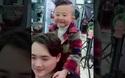 Cậu bé 6 tuổi làm tóc thành thạo như một nhà tạo mẫu tóc chuyên nghiệp