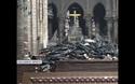 Cảnh tượng ngổn ngang bên trong Nhà thờ Đức Bà Paris sau vụ cháy