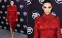 Kim Kardashian diện váy đỏ gợi cảm