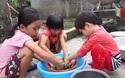 Hoàn cảnh đáng thương của 4 chị em mồ côi mẹ, bố bị bệnh rỗng tủy.