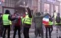 """Bạo động """"Áo vàng"""" tại Pháp: Người biểu tình mang quan tài, tính đập phá mộ vua Napoleon"""