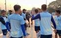 Xuân Trường tươi cười với đồng đội mới sau khi ra mắt Buriram United