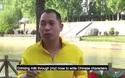 Võ sư Trung Quốc biểu diễn phun nước bằng mắt.