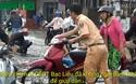 Xem hình ảnh CSGT Bạc Liêu giúp dân trên đường sau cơn mưa lớn.