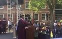 """Tỷ phú gốc Phi giàu nhất Mỹ gây """"sốc"""" vì trả nợ 40 triệu USD cho sinh viên"""