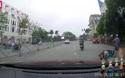 Chen vào làn xe máy để vượt, nữ tài xế gây tai nạn