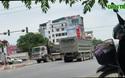 """""""Binh đoàn xe quá khổ, quá tải"""" lộng hành trên đường mòn Hồ Chí Minh"""