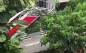 Giải cứu người đàn ông ngã từ tầng 3 xuống tầng 2 tại tòa nhà chung cư ở Hà Nội
