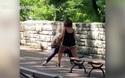 Đoạn video clip lan truyền chóng mặt trên mạng xã hội của cô gái vật lộn với bạn trai