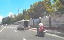 Gặp nạn vì vừa đi xe máy vừa dùng điện thoại