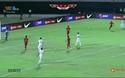 Indonesia - Việt Nam: Thủ môn Ridho cản cú sút của Trọng Hoàng ở phút 19