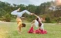 Độc đáo màn biểu diễn của cặp vợ chồng Yoga Việt Nam