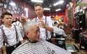 Tiệm cắt tóc 0 đồng cho người nghèo của chàng trai 9X