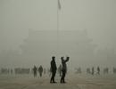 Trung Quốc lại báo động đỏ khói bụi ô nhiễm