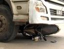 Tài xế xe tải tông chết 2 mẹ con rồi bỏ trốn