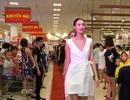 Top 5 Vietnam's Next Top Model 2015 biến siêu thị thành sàn catwalk