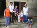 Trao hơn 16 triệu đồng đến gia đình anh Hồ Thanh Chức