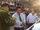 """3 kiều nữ """"hỗn chiến"""" với tài xế taxi ngay giữa trung tâm Hà Nội"""